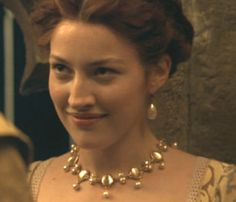 Kelly Macdonald as Isabel Knollys in Elizabeth (1998).
