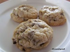 If you like soft and gooey chocolate chip cookies, this is the BEST recipe!