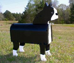Handmade Dog Mailboxes - Unique Handmade Novelty Dog Mailboxes Made in the shape of Dogs.