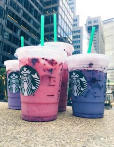 has a healthy secret menu Starbucks' secret Healthy Drink with berries that isn't on the menu but I'm totally asking for!Starbucks' secret Healthy Drink with berries that isn't on the menu but I'm totally asking for! Bebidas Do Starbucks, Healthy Starbucks Drinks, Secret Starbucks Drinks, Starbucks Secret Menu, My Starbucks, Healthy Drinks, Starbucks Purple Drink, Espresso Drinks, Coffee Drinks