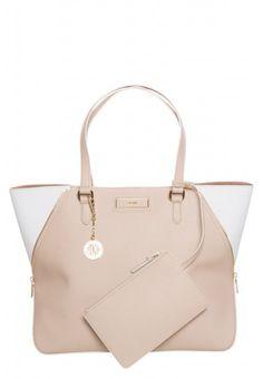 60becfa9eb7b DK151H005-B11 4.1. Kaori T · Lovely bags