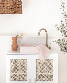 Home Decor Kmart Linen/Cotton Waffle Towel in Blush. Luxe towels and bath sheets for easy living. - Bath Sheets - Ideas of Bath Sheets Room Interior Design, Home Interior, Bathroom Interior, Rental Bathroom, Interior Decorating, Minimal Bathroom, Small Bathroom, Bathroom Ideas, Bathroom Canvas