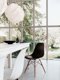 Eames Plastic Chair (DSW)
