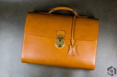 """Paradigm_ handmade leather briefcase  Italian Full Vegetable leather col. #13 camel   French Thread Lin cable #532 col.571 bis   Swiss Hardwear """"Amiet"""" LOCK   Bee's Wax Edge Finishing"""