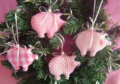 Fabric Tree Decorations – 4x Glücksschweinchen*Baumschmuck*Weihnachtsdeko* – a unique product by Leas-Kinderwelt on DaWanda