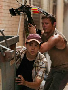 The Walking Dead Norman Reedus as Daryl Dixon Glenn ( Steven Yeun ) Walking Dead Season, Glenn The Walking Dead, Walking Dead Tv Show, Walking Dead Series, Daryl Dixon, Daryl Twd, Priscilla Ahn, Steven Yeun, Thing 1