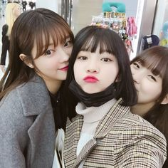 oh my girl - yooa binnie and arin
