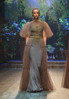 Zareena Ready To Wear Spring Summer 2018 Dubai - NOWFASHION