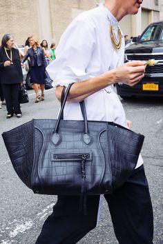 5e8e4d5f4b7 Céline Phantom Luggage Tote Celine Handbags, Tote Handbags, Fashion Handbags,  Fashion Bags,