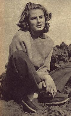 (Ingrid Bergman snapshot found photo movie star casual sportswear jeans pants sweatshirt jumper canvas shoes 40s vintage fashion style