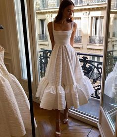fashion, outfit, and style image - Damen Mode 2019 Pretty Dresses, Beautiful Dresses, Gorgeous Dress, Look Fashion, Fashion Outfits, Dress Fashion, Fashion Clothes, Trendy Fashion, Fashion Women