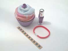 Pamper parties ages 5-105 One Direction nail art cupcake comes with instructions