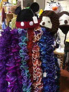 Irish Hand Knit Women's Scarf Vintage Lace by TheCraftyShamrock Lace Knitting, Knit Crochet, Craft Sites, Knit Scarves, Irish Lace, Vintage Lace, 4th Of July Wreath, Womens Scarves, Boho Chic