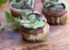 these look like a little bit of work, but at some point in time I will find the perfect occasion for camo cupcakes!