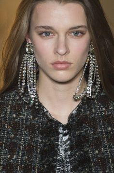 Isabel Marant Fall 2017 Fashion Show Beauty - The Impression