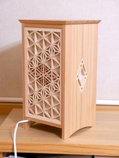 RTあんどん(行灯)G Wood Art, Wood Pallets, Woodworking, Wood Boxes, Japanese Woodworking, Woodworking Projects, Home Decor, Wood Design, Japanese Lighting
