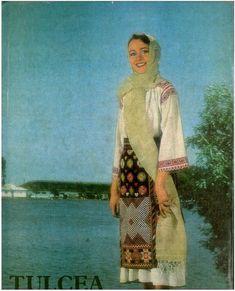 Folk Costume, Costumes, Romania, Kimono Top, Cover Up, Moldova, Embroidery, Blouse, Painting