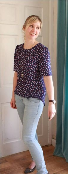 Becca's Orla top - sewing pattern by Tilly and the Buttons Sewing Hacks, Sewing Projects, Sewing Tips, Sewing Ideas, Dress Patterns, Sewing Patterns, How To Make Clothes, Making Clothes, High Street Trends