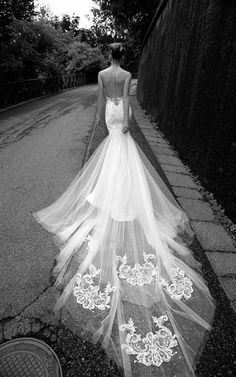 Alessandra Rinaudo Wedding Dresses 2016 / http://www.himisspuff.com/open-back-wedding-dresses/6/