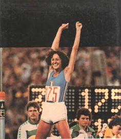 Sara-Simeoni-record- Sport Icon, Sport 2, Sports Stars, Track And Field, Female Athletes, Sports Women, Champs, Olympics, Beautiful People