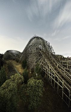 Nara Dreamland in Japan, an abandoned old amusement park. Reminds me of Spirited Away.....