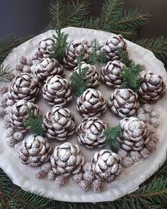 Christmas confection in the shape of cones! You will be surprised by everyone! Diy Christmas Gifts For Friends, Christmas Sweets, Holiday Desserts, Christmas Baking, Galletas Cookies, Christmas Cookies, Hungarian Desserts, Polish Recipes, Bakery Recipes