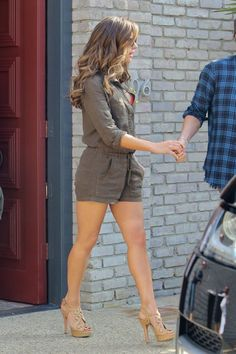 Kate Beckinsale Lovely Legs in a Romper and Strappy High Heels Great Legs, Nice Legs, Beautiful Legs, Amazing Legs, Perfect Legs, Kate Beckinsale Pictures, Kate Beckinsale Hair, Sexy Legs And Heels, Popular Dresses
