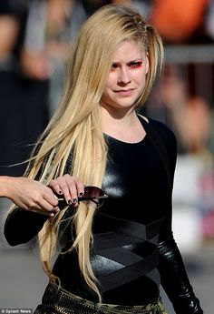 Avril Lavigne < beautiful *-* <3