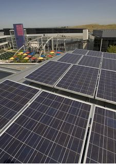 Official Blog: A clean energy update: solar panels of the googleplex