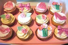 flower cupcakes girl