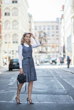 32 Great Looking Modern Outfits For Women Career, OK, which means you don't have an equal quantity of women at your organization. Women are currently stepping out of their historical job of mother and. Trendy Dresses, Women's Fashion Dresses, Nice Dresses, Dresses For Work, Nyc Fashion, Fashion Over 40, Work Fashion, Style Fashion, Fashion Boots