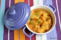 Mancare de cartofi reteta de tocanita sau papricas de post savori urbane Romanian Food, Romanian Recipes, Potato Recipes, Nom Nom, Bacon, Yummy Food, Yummy Recipes, Curry, Potatoes