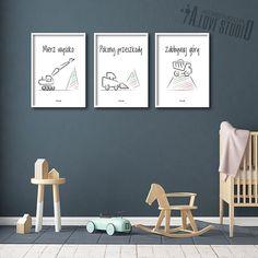 Zestaw trzech plakatów Mierz wysoko – koparka, spychacz, wywrotka. Urocza dekoracja do pokoju każdego małego budowniczego. Pakiet stanowiący wyjątkową ozdobę pokoju dziecięcego. Motywacyjne hasła. Prosty i elegancki design. Neutralna kolorystyka sprawia, że plakaty pasują do każdego koloru ściany. Kids And Parenting, Neutral Colors, Baby Room, Diy And Crafts, Kids Room, House Design, Simple, Inspiration, Home Decor