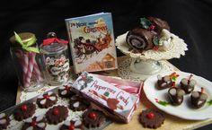 Dollhouse Christmas by goddess of chocolate, via Flickr