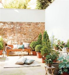 Little house garden Patio Chico, Outdoor Spaces, Outdoor Living, Morrocan Decor, Paint Colors For Living Room, Garden Pool, Backyard Patio, Garden Features, Patio Design