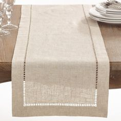 Natural Hemstitched Linen Blend Table Runner x Tan, Saro Lifestyle Set a welcoming table with the Saro Lifestyle Toscana Table Runner. Clean and contemporary, the handy cotton-linen blend table runner lessens your cleanup duty while lending a touch of ele Farmhouse Table Runners, Burlap Table Runners, Farmhouse Tabletop, Rustic Table, Table Runner Size, Dining Decor, Decoration Table, Kitchen Dining, Kitchen Placemats