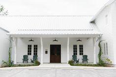 Take a tour of this dreamy Florida based interior design studio, picture perfect in every sense of the word. Design Studio Office, Office Interior Design, Interior S, Exterior Design, Interior Architecture, Exterior Homes, Farmhouse Homes, Modern Farmhouse, Backyard Studio
