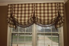 Second Place WF VISION Ingenuity Workroom Competition - Fabricated by Judy Peters of Palmetto Drapery. Balloon Valance, Balloon Shades, Drapes Curtains, Burlap Curtains, Custom Window Treatments, Custom Windows, Window Dressings, Window Styles, Ideas