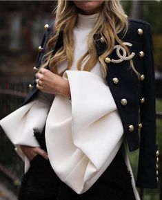 Best Street Style Moments of 2016 High End Fashion, Trendy Fashion, Luxury Fashion, Womens Fashion, City Fashion, Fashion Outfits, Fashion 101, Fashion Trends, Paris Chic