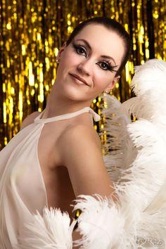 Juicy Jane burlesque artist