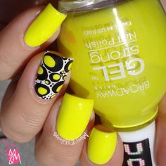Manis & Makeovers: Yellowwwwww!!!
