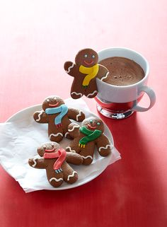 Sugar and spice… and treats that look nice! Williams-Sonoma's gingerbread confections make delicious and adorable additions to any holiday spread.
