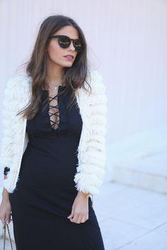 lace-up neckline   seams for a desire