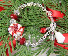 Red White Peppermint Holiday Christmas Bracelet by Thebracelettree