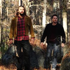 Jason Momoa and Martin Henderson The Red Road Martin Henderson, Jason Momoa, Aquaman, Mens Fashion, Eye Candy, Red, Celebs, Night, People