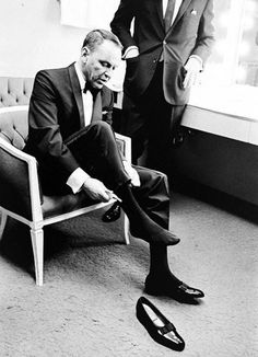 voxsart:  Pumped For Black Tie. Frank Sinatra.