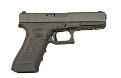 Glock 17 as issued by the British Armed Forces under the General Service Pistol designation Sig P320, Glock 22, Glock Models, Best Concealed Carry, Men's Shooting, 9mm Rounds, Man Kill, Old Wife, Self Defense