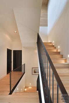 design home app Dream Home Design, My Dream Home, Home Interior Design, Future House, Interior Stairs, House Stairs, Staircase Design, House Goals, Home Deco