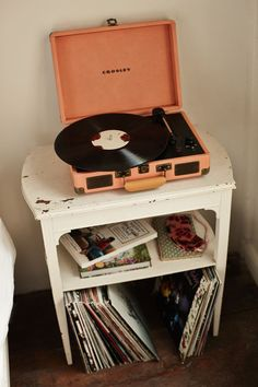 Love the record player look. Music could enhance the room (Edith Piaf for France… Love the record player look. Music could enhance the room (Edith Piaf for France room, sea sounds for the beach room) Bedroom Vintage, Vintage Room, Vintage Decor, Vinyl Record Player, Record Players, Crosley Record Player, Retro Room, Beach Room, Room Goals
