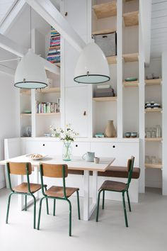 Home Decor white loft dining space.stunning lights and sense of drama DINING ROOMS Home Interior, Kitchen Interior, Interior Architecture, Dining Room Inspiration, Interior Inspiration, Deco Design, Dining Room Design, Dining Area, Dining Rooms